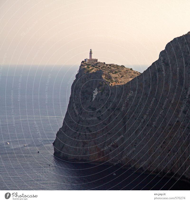 HochWasser Natur Ferien & Urlaub & Reisen blau Meer Landschaft Ferne Freiheit Felsen Horizont braun Tourismus hoch Insel Sicherheit Höhenangst