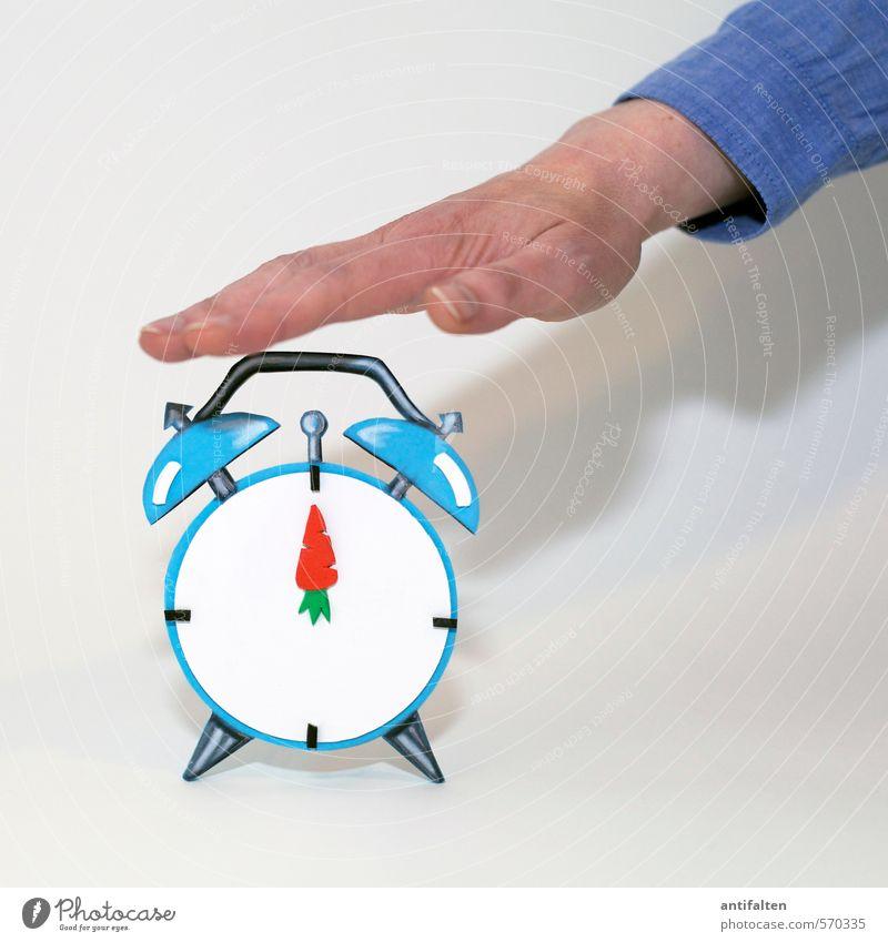 Punktsieg | Punkt 12 Mensch Frau Jugendliche blau weiß Hand Junge Frau Freude 18-30 Jahre Erwachsene feminin grau außergewöhnlich Linie orange Uhr