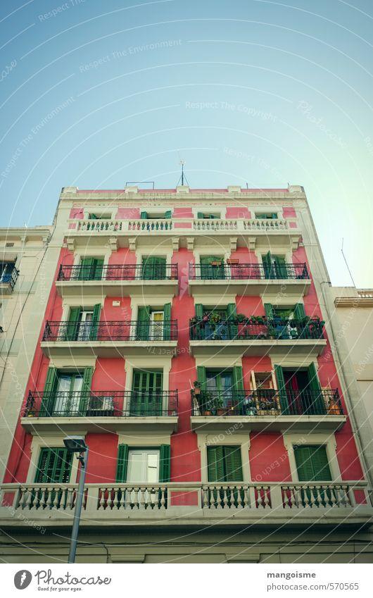 kirschblüten Stadt Altstadt Haus Mauer Wand Fassade Balkon Fenster Tür Dach alt Freundlichkeit Fröhlichkeit hell natürlich oben schön Wärme blau grün rosa rot