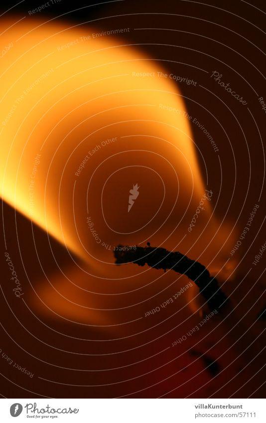 Flamme dunkel Stimmung Hintergrundbild Kerze Romantik nah Flamme Kerzendocht