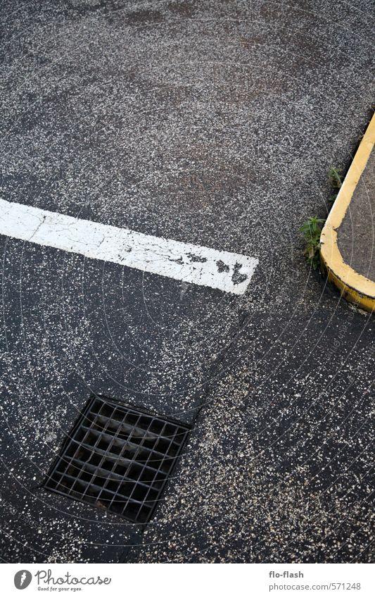 Underground Entry Baustelle Handwerk Herbst Winter Stadt Hafenstadt Stadtzentrum Industrieanlage Architektur Straße dreckig gruselig trist schwarz Angst Krise