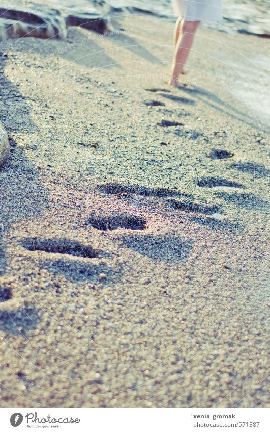 Spuren Freizeit & Hobby Ferien & Urlaub & Reisen Tourismus Ausflug Abenteuer Ferne Freiheit Sommer Sommerurlaub Sonne Sonnenbad Strand Meer Insel Wellen feminin