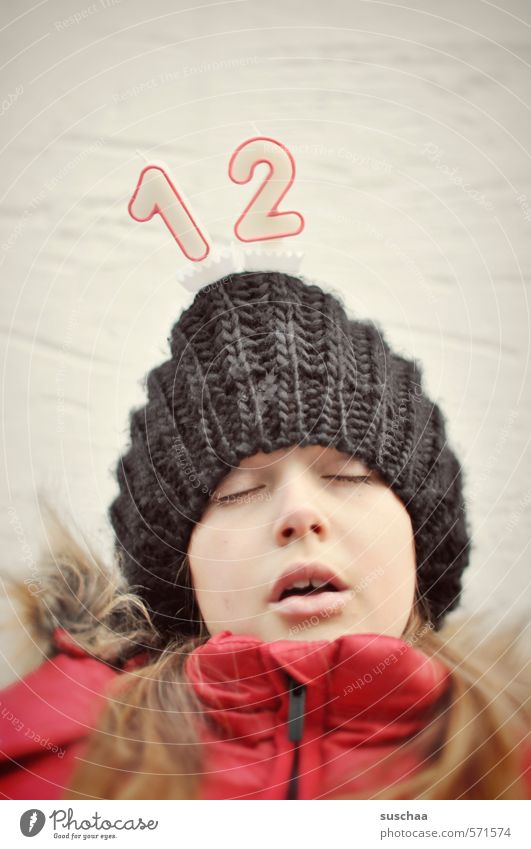 sekundenschlaf / 600 Mensch Kind Jugendliche rot Junge Frau Mädchen Winter Gesicht kalt Auge Leben feminin Herbst Haare & Frisuren Kopf Haut