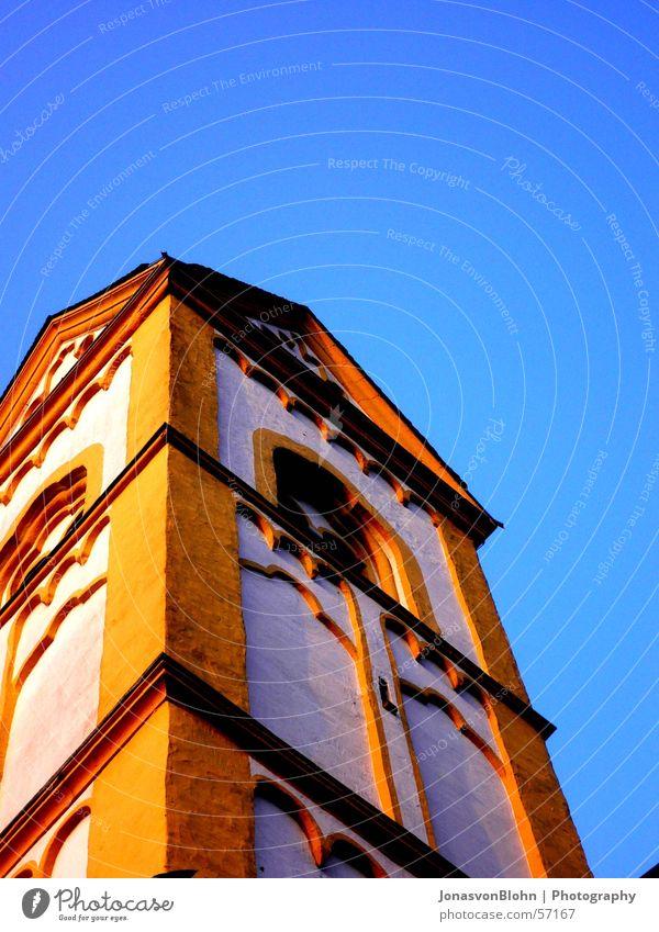 kirchturm Himmel Sonne Fenster Religion & Glaube Turm Blauer Himmel Kloster Kirchturm