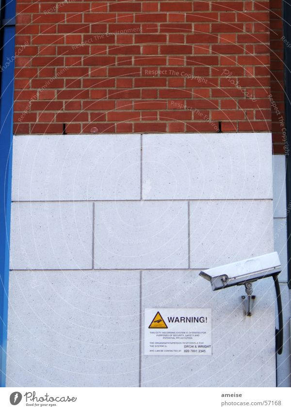 Warning 01 Stein Mauer Schilder & Markierungen Fotokamera Warnhinweis Überwachung Unterdrückung Tower Bridge