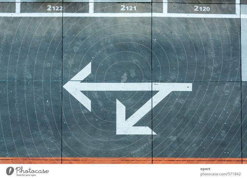 Möglichkeiten Parkhaus Straße Straßenkreuzung Wege & Pfade Parkplatz Beton Zeichen Ziffern & Zahlen Schilder & Markierungen Linie Pfeil Entscheidung Richtung