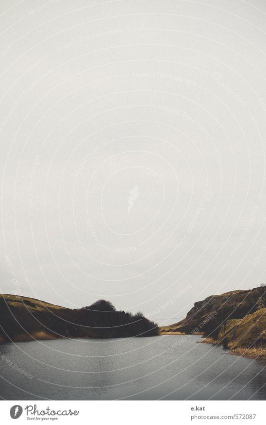 //Schottland_7 Umwelt Natur Landschaft Seeufer Stimmung Außenaufnahme Menschenleer Textfreiraum oben