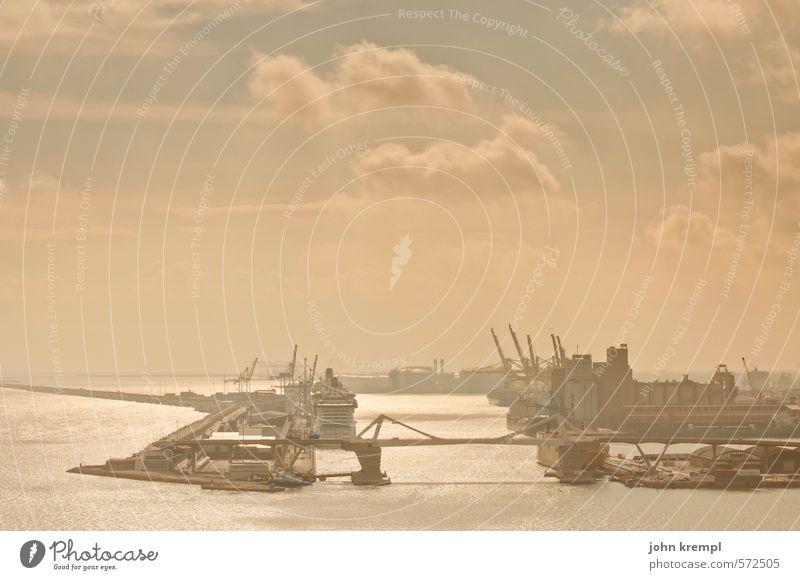 Du suchst das Meer Stadt Wolken Ferne gelb Wärme braun Horizont gold Freundlichkeit Spanien Güterverkehr & Logistik Hafen Sehnsucht Schifffahrt Fernweh Handel