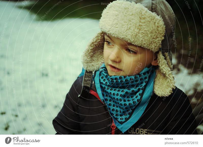 Wintermontur Schnee Winterurlaub Kind Kleinkind Junge Kindheit Gesicht Ohr Nase Mund 1 Mensch 3-8 Jahre Eis Frost Dorf Park Bekleidung Jacke Fell Accessoire
