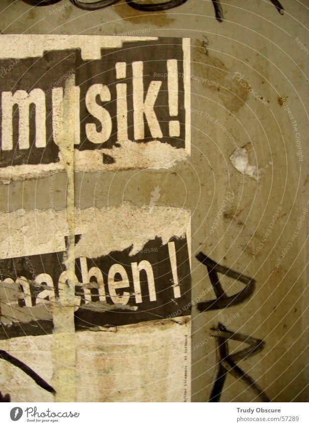 ...musik zu machen... alt weiß schwarz gelb Wand Musik Holz Mauer braun dreckig Hintergrundbild Beton Fassade Schriftzeichen kaputt Zeichen