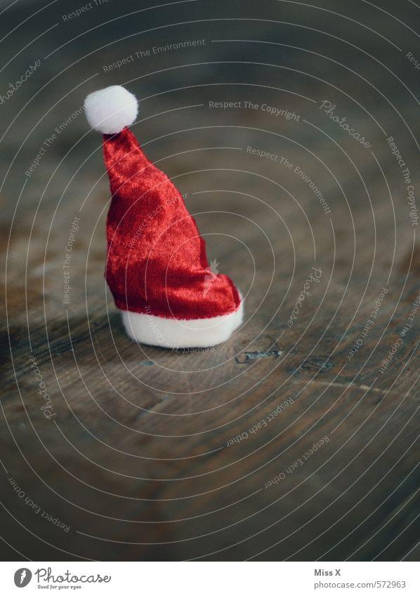 Zipfel Dekoration & Verzierung Weihnachten & Advent Mütze klein rot Stimmung Vorfreude Nikolausmütze Spitze Weihnachtsdekoration Holz Tischdekoration Holztisch