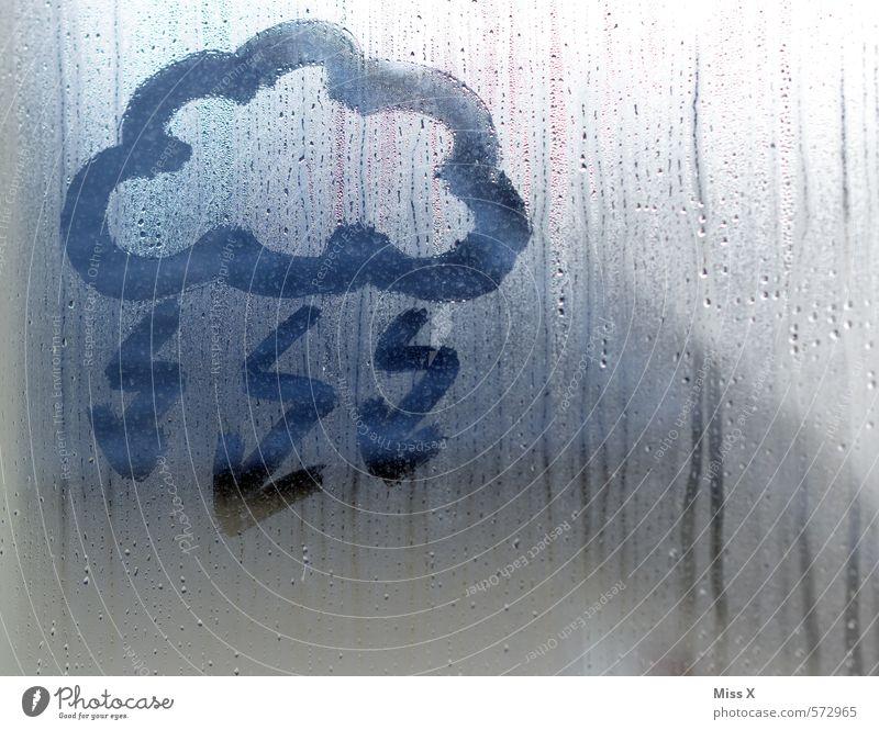 Xaver Himmel Wolken Angst Wetter Regen Wind Klima gefährlich nass Wassertropfen Unwetter Sturm Blitze Fensterscheibe Gewitter Klimawandel