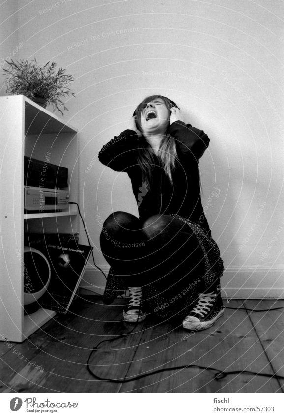 Let it out! Musik Raum Angst sitzen schreien Verzweiflung Kopfhörer Frustration reinigend Musikanlage ausbrechend