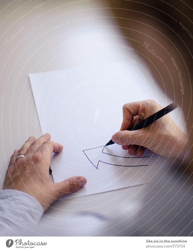 work flow Frau Jugendliche Hand Junge Frau Erwachsene feminin Arbeit & Erwerbstätigkeit Büro Erfolg Tisch lernen Studium Papier planen Bildung Beruf