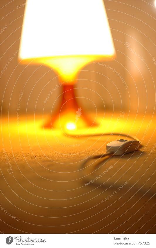 turn off the light Lampe Glühbirne Schalter Elektrizität Licht gemütlich Erholung Fünfziger Jahre Sechziger Jahre old-school Schatten enjoy lamp ikea