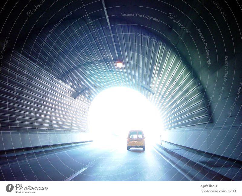 licht am ende des tunnels Tunnel Licht Autobahn fahrzeuge