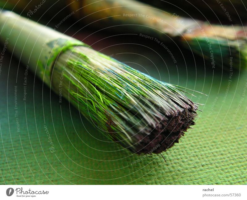 Pinsel in Aktion [1] grün Farbe Kunst dreckig violett Bild türkis Gemälde Karton Untergrund gebraucht Oliven Kunsthandwerk Borsten Acrylfarbe