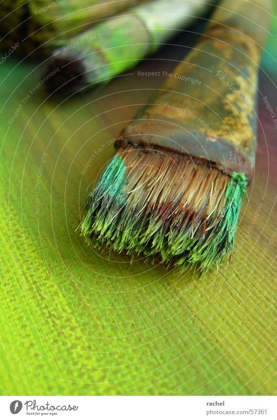 Pinsel in Aktion [2] grün Farbe Kunst dreckig violett Bild türkis Gemälde Karton Untergrund gebraucht Oliven Kunsthandwerk Borsten Acrylfarbe