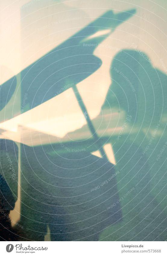 am Klavier Mensch maskulin 1 45-60 Jahre Erwachsene Musik Konzert Bühne sitzen Spielen elegant Farbfoto Gedeckte Farben Innenaufnahme Licht Schatten