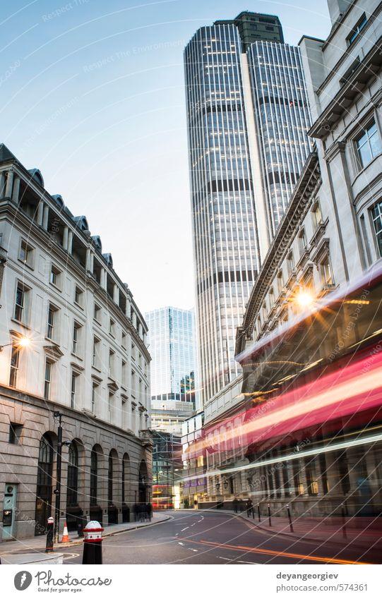 Zeitgenössische Gebäude in der City of London Büro Industrie Business Himmel Kleinstadt Stadt Skyline Hochhaus Brücke Architektur Fassade modern neu blau