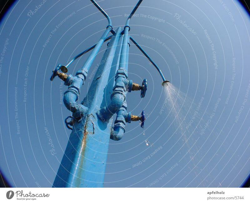 duschen in blau Sommer Dinge Dusche (Installation) Unter der Dusche (Aktivität) Stranddusche