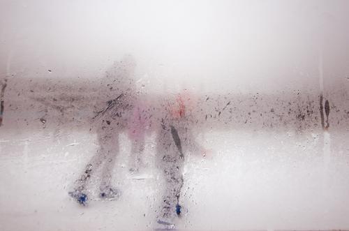 gorillas im nebel Familie & Verwandtschaft Freizeit & Hobby Nebel Wassertropfen Fitness Mütze Jacke Wintersport Schlittschuhlaufen beschlagen Eisbahn