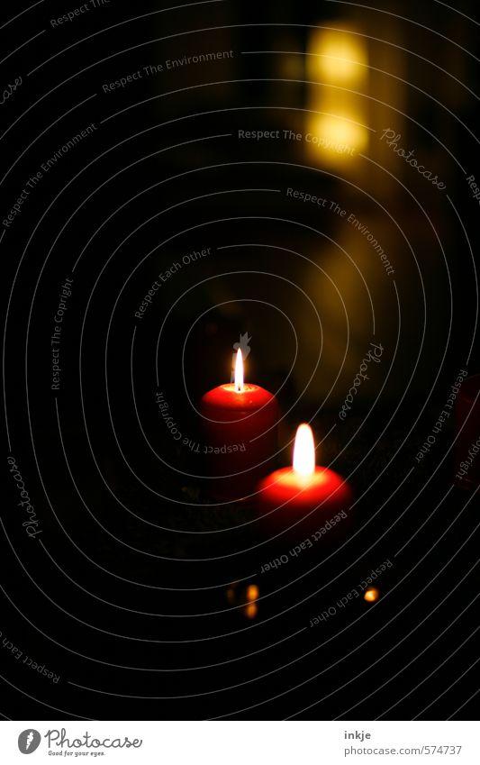 2. Weihnachten & Advent schön rot ruhig schwarz dunkel gelb Wärme Gefühle Stimmung Freizeit & Hobby Idylle Häusliches Leben Zufriedenheit Lifestyle leuchten