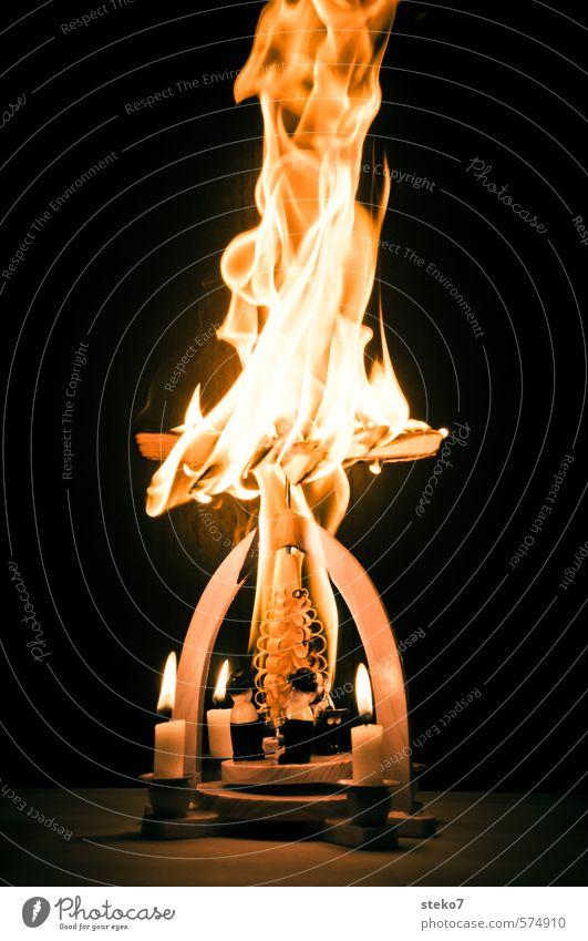 Advents-Inferno II Weihnachten & Advent Anti-Weihnachten Holz gefährlich verrückt Kerze heiß trashig Flamme Zerstörung Desaster brennen rebellisch