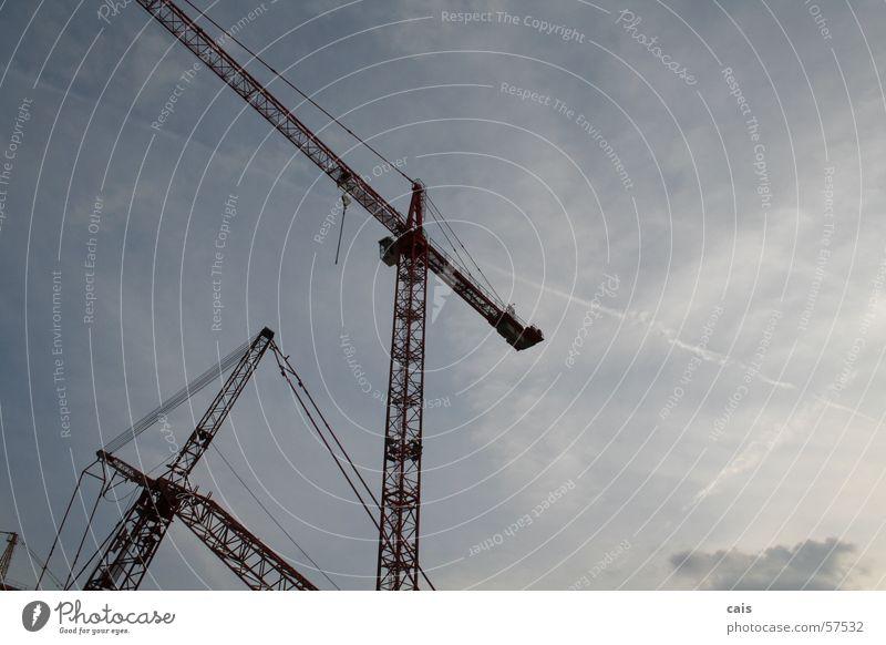 Kranballett II Himmel rot Wolken hoch verrückt Industrie Baustelle