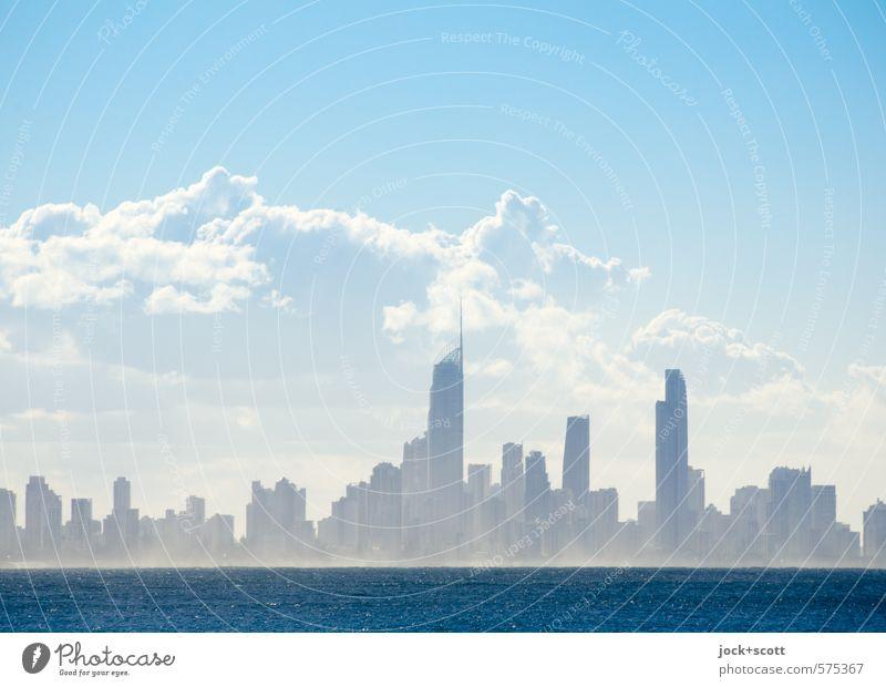 Nice weather, isn't it? Ferne Wolken Klima Schönes Wetter Küste Pazifik Queensland Stadt fantastisch modern Stimmung Umwelt Reichtum Zukunft Skyline Hochhaus