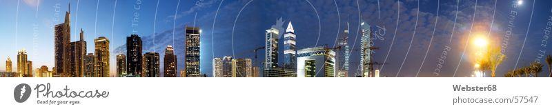 Dubai bei Nacht neu blau dunkel Fenster Stern groß Hochhaus hoch Wüste Asien bauen Panorama (Bildformat) Naher und Mittlerer Osten Vereinigte Arabische Emirate