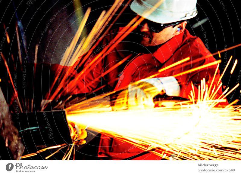 Flexen - 2 Stahlverarbeitung flexen Winkelschleifer rot Helm Arbeit & Erwerbstätigkeit Langzeitbelichtung gelb Schweißen Schutzhelm Berufsleben Industrie