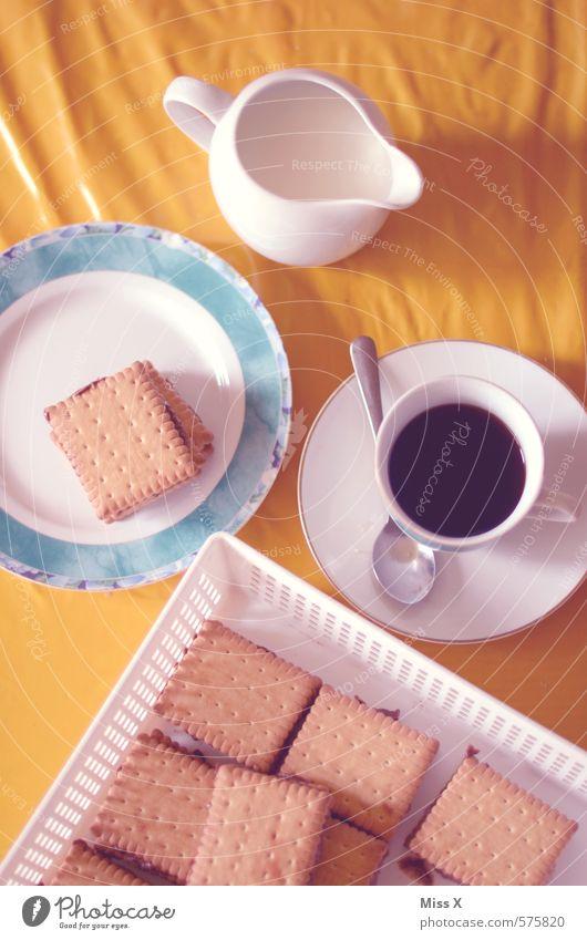 Kalter Hund II kalt Lebensmittel Ernährung Getränk süß retro Kaffee Süßwaren lecker Kuchen Geschirr Tasse Teller Backwaren Nostalgie