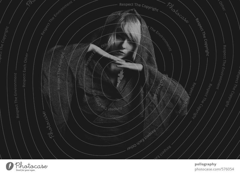 white in black VII Mensch Frau Jugendliche schön Erholung Junge Frau ruhig 18-30 Jahre Erwachsene Leben Gefühle feminin Haare & Frisuren Stimmung Körper