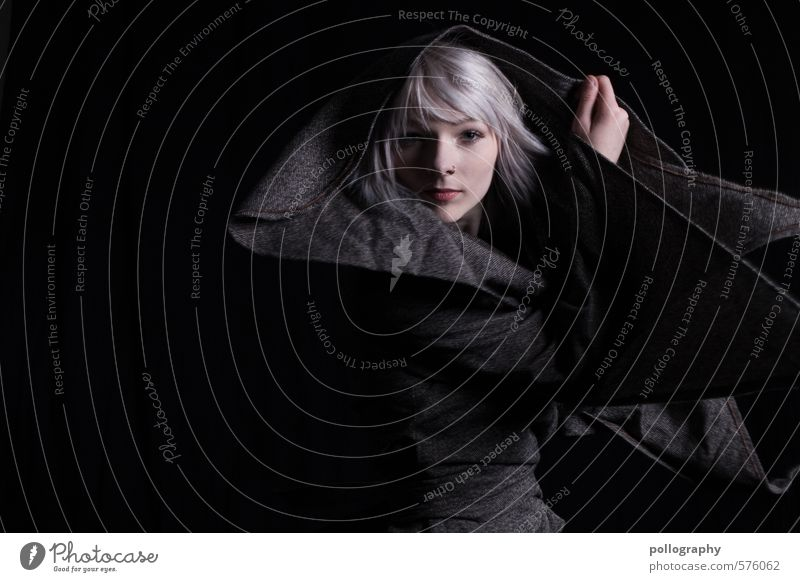 Runa (13) schön Mensch feminin Junge Frau Jugendliche Erwachsene Leben Körper 18-30 Jahre Mode Bekleidung Jacke weißhaarig Gefühle Stimmung Glück Fröhlichkeit