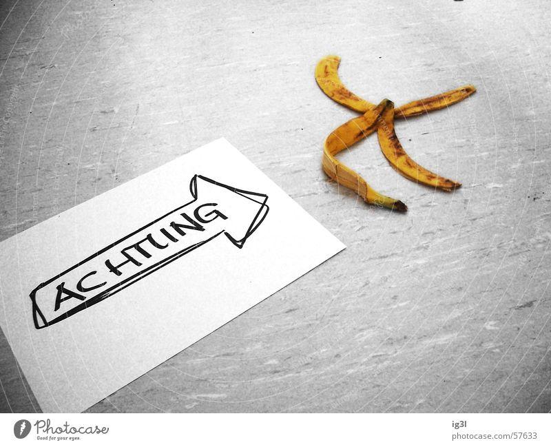 freundliche warnung Blatt klein filigran flach Papier Rechteck Wort Richtung stehen gehen Banane aufgegessen scheckig 4 Mitte grau Hintergrundbild schwarz weiß