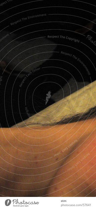 nightmare 05 dunkel Haare & Frisuren träumen Haut schlafen Bett Hals Bettlaken Kinn Luftmatratze