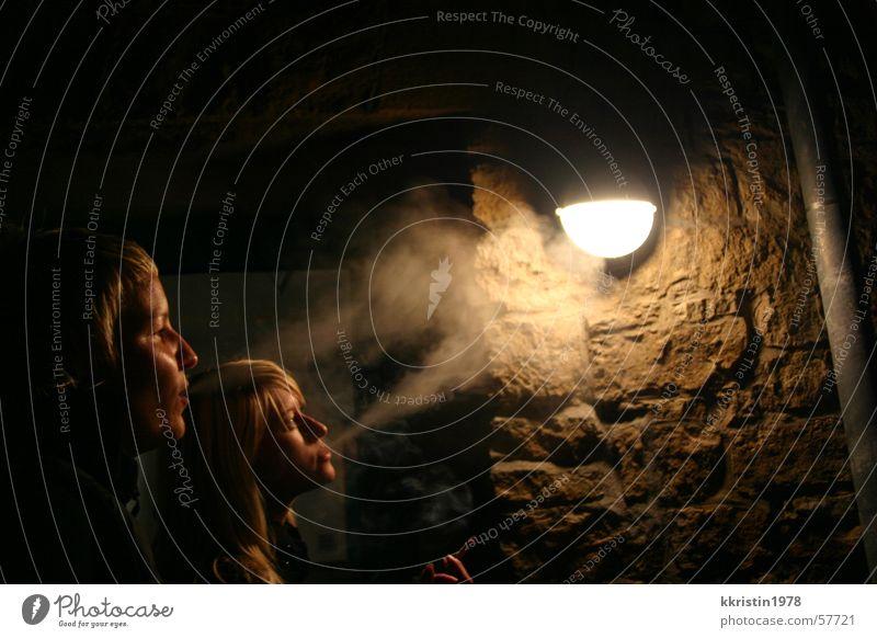 lady smoker Frau Lampe Rauchen Zigarette