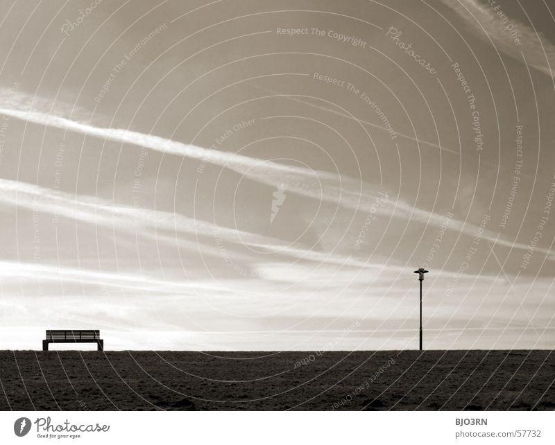 Meer sehn - Banknachbar [re] Himmel Meer Strand ruhig Wolken Lampe Erholung See Bank Deich