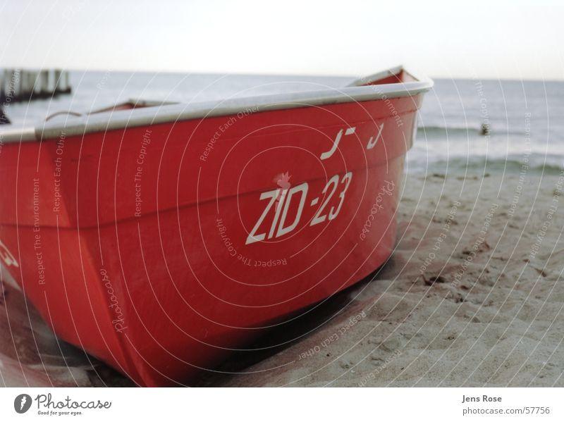 boot rot Angeln Strand Meer Handwerk Natur Landschaft Sand Luft Wasser Himmel Horizont Herbst Unwetter Wind Wellen Küste Ostsee Fischerdorf Bootsfahrt Ruderboot