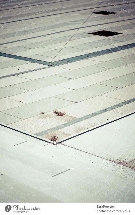 klare Linie Kunst Stadt Platz Stein Beton Zeichen Streifen außergewöhnlich eckig einfach trist verrückt grau Plattenbau Bürgersteig Treppe Geometrie