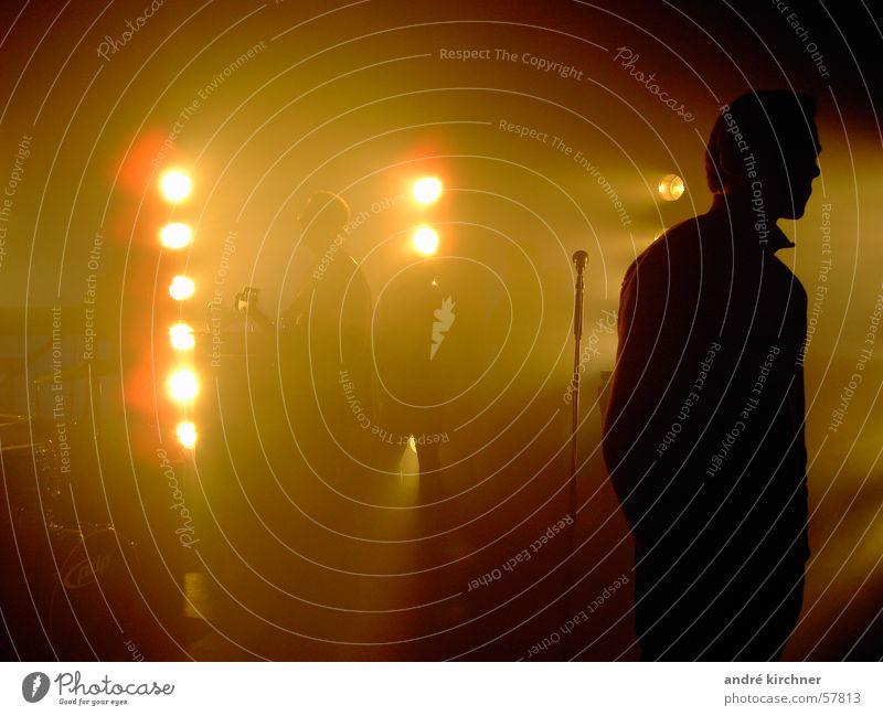 noch ist nicht aller tage abend Nebel Schnur Bühne Mikrofon