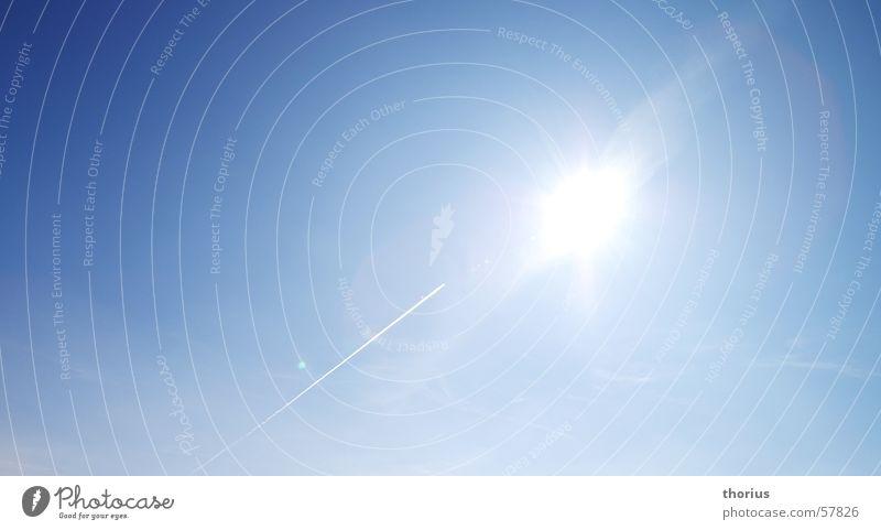 der sonne entgegen Himmel Sonne blau Flugzeug Kondensstreifen