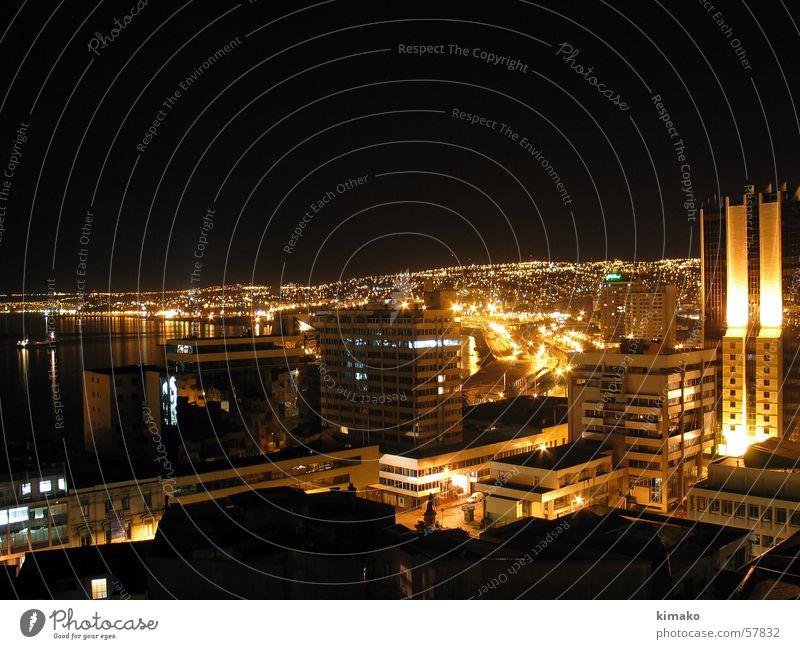 Viña del Mar Chile Valparaíso Nachtaufnahme Licht Stadt Südamerika schwarz Gebäude south america sudamerica viña del mar black light building