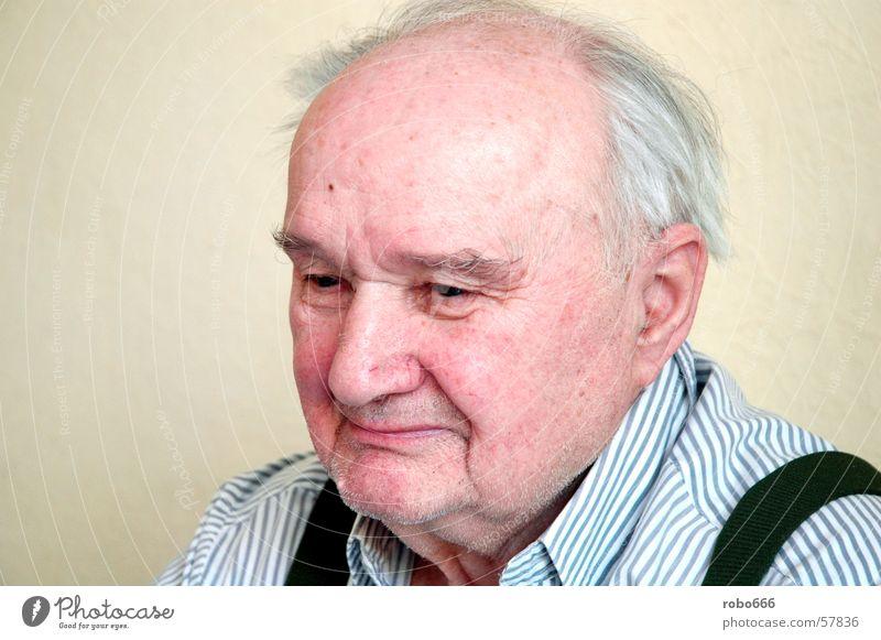 Verwandte von Freunden Großvater grau Senior Trauer Denken süß renter Traurigkeit