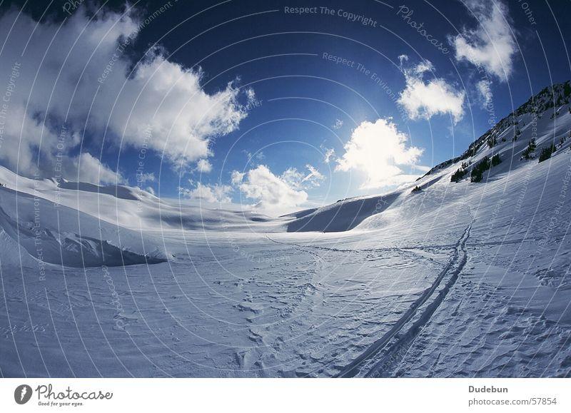 Russet Lake Farbfoto Außenaufnahme Menschenleer Tag Licht Sonnenlicht Fischauge Lifestyle Ferien & Urlaub & Reisen Freiheit Expedition Winter Schnee
