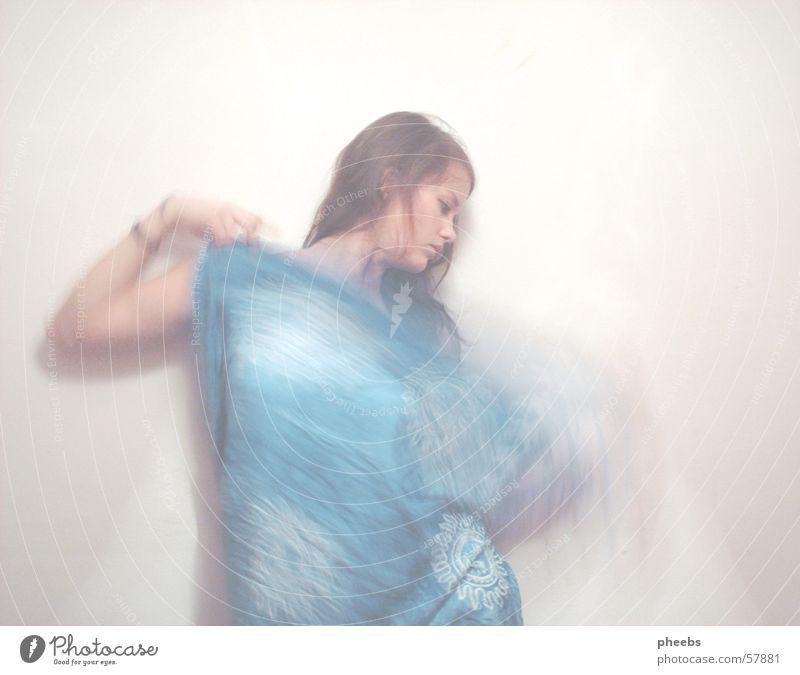 dance Frau Mensch Performance verdeckt Schatten Tuch Tanzen bleich