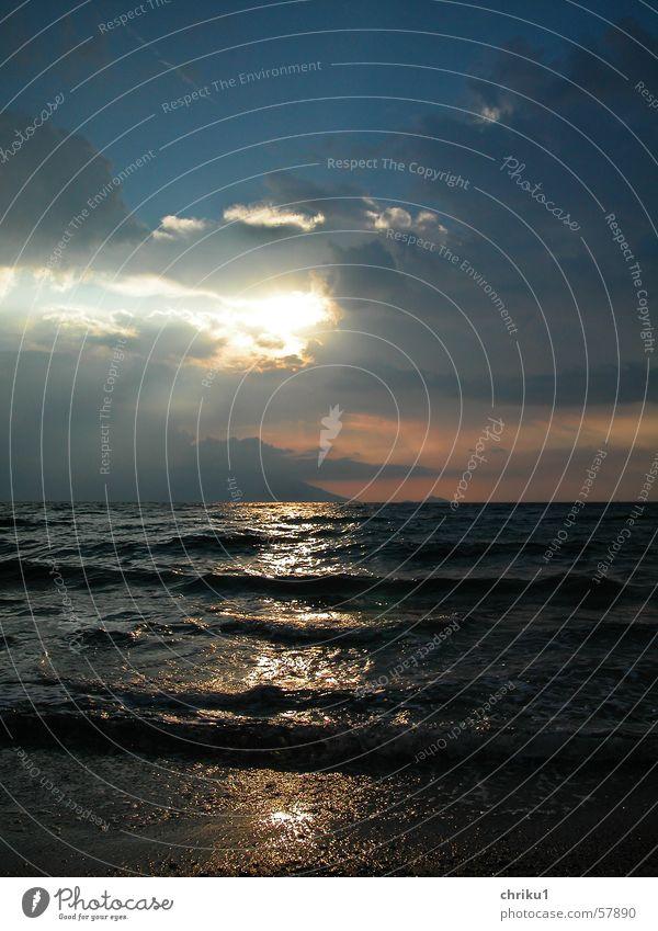 Nach dem Umwetter Wasser Himmel Sonne Meer Strand Wolken Ferne Wellen Bucht Unwetter Wellengang Ägäis