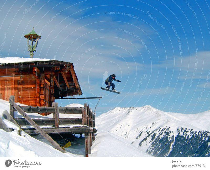 Skiheil Ferien & Urlaub & Reisen Winter Berge u. Gebirge Schnee springen verrückt hoch Dach Alpen Schneebedeckte Gipfel Risiko Hütte Mut Terrasse abwärts