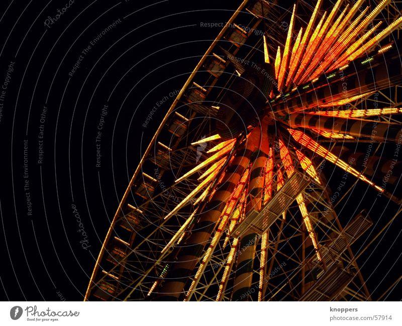 Riesenrad bei Nacht   die Zweite Fahrgeschäfte Stadtfest Schützenfest Vergnügungspark Sendgericht dunkel Licht Romantik Außenaufnahme Lichtspiel kirmis Freude